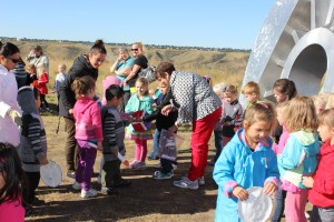 Lethbridge Montessori School invites the other ECS students from the town, sing Peace songs and exchange  Peace tokens with each other.